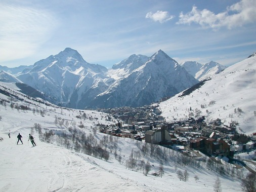 Les Deux Alpes – Ski and Snowboard all year round